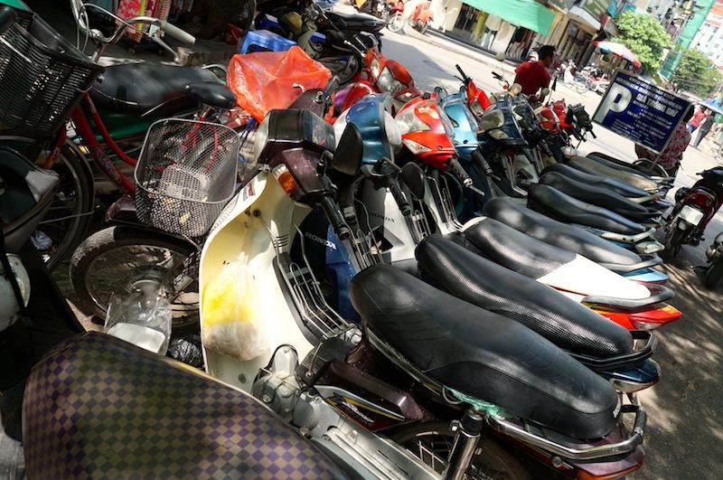Hanoi Food Tour on Motorbike