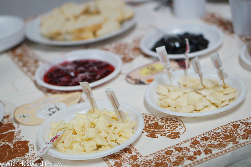 A foodie experience in Emilia Romagna tasting cave cheese