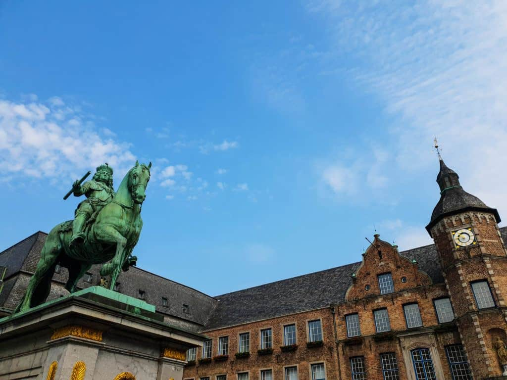 Top Things To Do In Dusseldorf - How To Spend 48 Hours In Dusseldorf